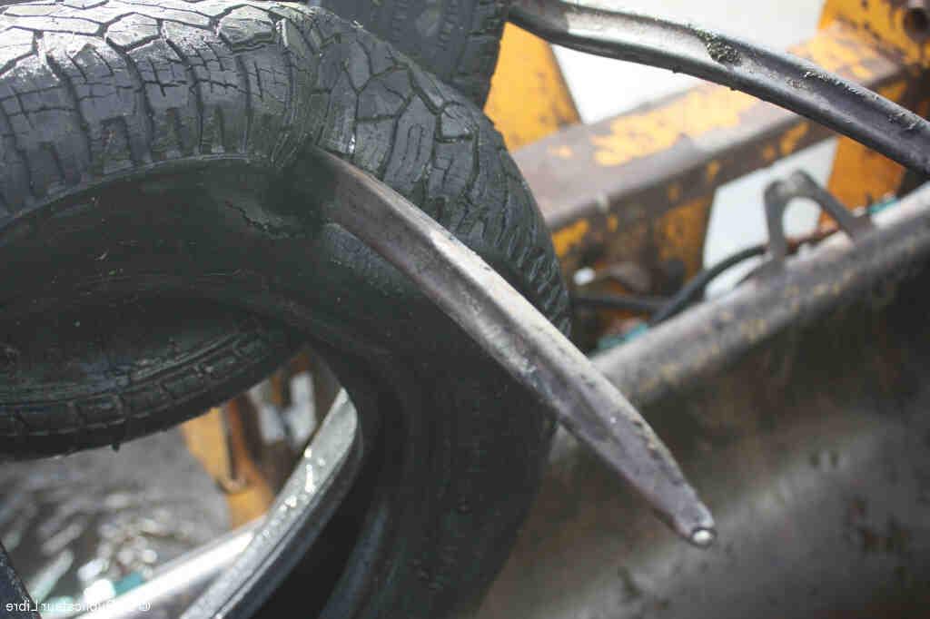 Où jeter des pneus de tracteur ?